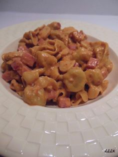 Pastadag: perline met rode pesto saus