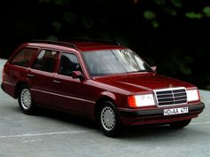 Nr 13 - Mercedes 300TE - Red (as shown) - faster and larger !