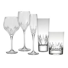 Stunning Crystal glassware from Vera Wang  makes the perfect #Valentines toast