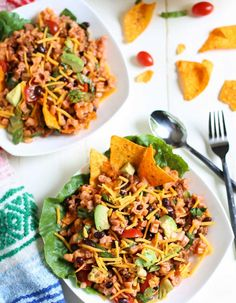 Tangy sweet dressing combined with taco meat, tomatoes, avocados and pasta. A one pot meal the entire family loves! Mexican Chef, Yummy Pasta Recipes, Rice Recipes, Dinner Recipes, Buffalo Chicken Tacos, Easy One Pot Meals, One Pot Pasta, How To Cook Pasta, Family Meals