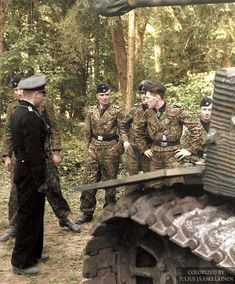 The tank ace Michael wittmann (left) with jupp Sälzer and balthazar woll with other member of the crew in northern france 1944 German Soldiers Ww2, German Army, Ww2 History, Military History, Luftwaffe, Military Drawings, Germany Ww2, German Uniforms, War Photography