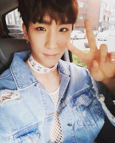 """Polubienia: 2,259, komentarze: 104 – Cory Hong (@24k_coreeya) na Instagramie: """"쇼챔에서 봬요~♡ #24K #ONLYYOU #너하나면돼"""""""