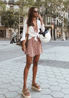Summer Fashion Trends You Must Try In 2019 - Stylish Bunny Sommer-Modetrends, die Sie 2019 . Casual Fall Outfits, Boho Outfits, Spring Outfits, Trendy Outfits, Fashion Outfits, Style Fashion, Skirt Outfits, Ootd Summer Casual, Summer Outfit