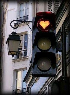 L'amour, l'amour ! Même les feux de circulation y ont droit...