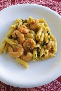 Chicken Penne Pasta with Bacon and Spinach in Creamy Tomato Sauce Chicken Penne Pasta, Bacon Pasta, Italian Pasta, Italian Dishes, Zucchini, Creamy Tomato Sauce, Eggplant Recipes, Best Dinner Recipes, Fish Dishes