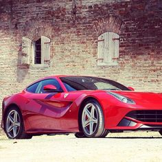 Lipstick Red, Sexy Ferrari F12 Berlinetta