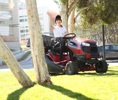 Jessica Day makes summer landscaping stylish, not sweaty!