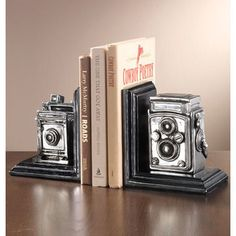 Antique Camera Book Ends. I'm going to try to make these for Zachie.