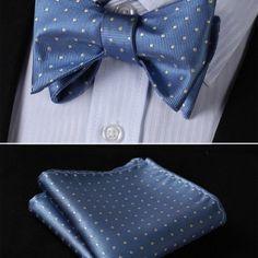 Luxusný hodvábny set - motýlik a vreckovka v svetlo modrej farbe s bodkami