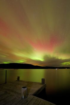 Southern Lights /Taken South of Hobart, Tasmania.by Jonathan Esling Nature Images, Nature Pictures, Nature's Miracle, Beautiful Places To Visit, Aurora Borealis, Australia Travel, Ciel, Science Nature, Trip Planning