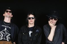 The Sisters of Mercy Andrew Eldritch, Goth Bands, Sisters Of Mercy, Steve Vai, Dream Pop, Sister Photos, Slogan Tshirt, New Romantics, The New Wave