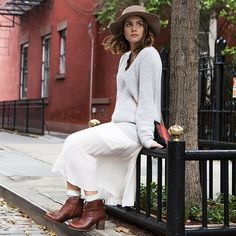 Refinery29 beauty writer Maria Del Russo is falling in love with fall, NYC, and her Trenton boots. #timberland #inmyelement #waterproof @mariadelrusso @refinery29