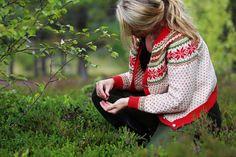 Crochet Cardigan, Knitted Shawls, Knit Crochet, Knitting Yarn, Knitting Patterns, Knitting Sweaters, Fair Isle Chart, Norwegian Knitting, Cute Pattern