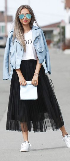 What Would Holley Wear: Pleats & Thank You Black Pleated Skirt Outfit, Long Skirt Outfits, Casual Outfits, Pleated Skirts, Long Black Tulle Skirt, Fall Outfits, Mini Skirts, Look Fashion, Skirt Fashion