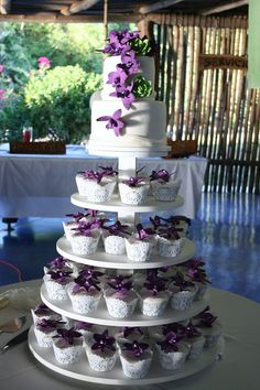 Purple & White Flower Cake & Cupcakes