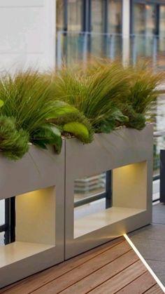 Rooftop Terrace Design, Rooftop Garden, Balcony Garden, Terrace Garden Design, Balcony Ideas, Modern Planters, Outdoor Planters, Roof Design, Exterior Design