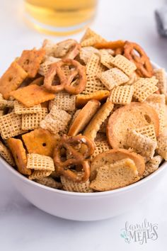 This homemade Dill Pickle Chex Mix recipe is a brilliant savory variation to the well-known sweet Chex mix recipe. Appetizer Recipes, Snack Recipes, Appetizers, Dip Recipes, Easy Recipes, Bagel Chips, Chex Mix Recipes, Family Fresh Meals, Salty Snacks