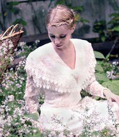 Beautiful dress!  Vintage Jessica McClintock Lace Wedding by blackbirdattic
