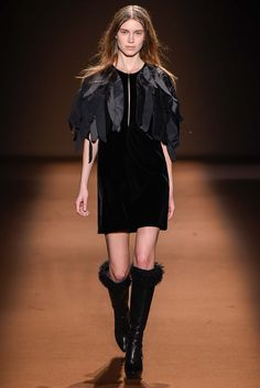 Andrew Gn Fall 2015 Ready-to-Wear Collection - Vogue 2015 Fashion Trends, 2015 Trends, High Fashion, Fashion Show, Fashion Looks, Fashion Design, Paris Fashion, Women's Fashion, Trend Council