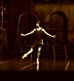 vaganovaballetandmore: Sylvie Guillem being perfect in rehearsal