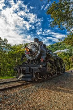 www.haveit.cz Niles Canyon Steam Train. Steam Train ride in Niles Canyon, CA doing a drive by for a photo shoot. #something about trains