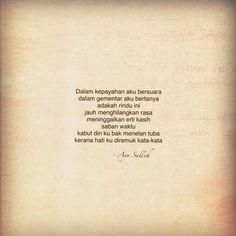 Ini adalah puisi yang saya ringkaskan dan dipetik dari buku sulung. Puisi penuh boleh didapati dari buku : P E R H E N T I A N - Copyright : Hanya nyatakan nama penulis atau sertakan #ayusalleh jika berkeinginan berkongsi puisi ini tanpa tujuan komersial Poem Quotes, Qoutes, Tattoo Quotes, Poems, Quotes Indonesia, Special Quotes, Deep Words, Meaningful Quotes, It Hurts