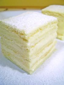Alba ca zāpada Romanian Desserts, Romanian Food, Romanian Recipes, Chef Recipes, Cookie Recipes, Dessert Recipes, Lemon Layer Cakes, Sweet Tarts, Food Cakes