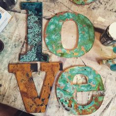 Metal Effects Patinas on Letters. The beautiful oxidation is by Me & Mrs. (Cool Paintings Effects) Patina Paint, Patina Metal, Rusted Metal, Patina Finish, Metal Projects, Diy Projects, Pablo Picasso, Arte Country, European Home Decor