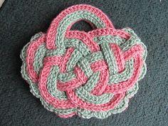 Celtic Knot Crochet: Handbasket Knot by Jennifer E Ryan