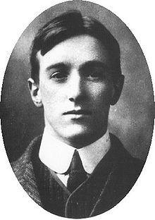 Robin George COLLINGWOOD. (1889-1943).   Es principalmente conocido por su libro The Idea of History (La idea de historia), obra póstuma, compuesta por varias fuentes reunidas poco después de su muerte por su discípulo T. M. Knox- Wikipedia.