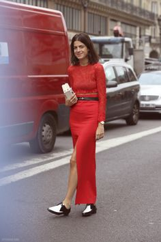 Leandra's juxtaposition of femme meets masculine is perfection. Red lace + silk. Just the right amount of skin and menswear inspired brogues to confuse every one. So effortlessly cool. Love you leelee!
