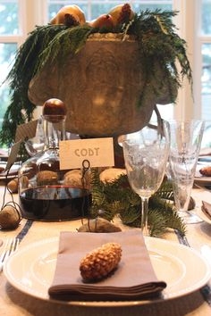 Formal Dining Room Place Setting | Latest Trend Of Gold Metallic Theme  Christmas Formal Dinner Table ... | Table Setting | Pinterest | Formal  Dinner, ...