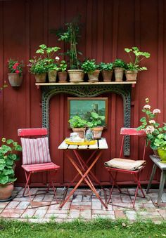 amazing Swedish Bohemian Garden  #Bohemian #Garden #Pots There are Swedish moods that we like more than others and this garden by Daphne & Rolf is a perfect example of a pretty bohemian atmosphere. We lo...
