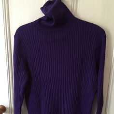 Talbots turtleneck. Super soft and a great color. Talbots Sweaters Cowl & Turtlenecks