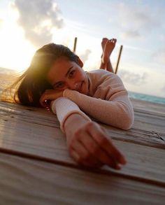 What a life💗 Andaman And Nicobar Islands, Beach Photography Poses, Singapore Photos, Island Outfit, Korean Girl Fashion, Ulzzang Korean Girl, Asian Celebrities, Beautiful Places To Travel, Korean Music
