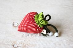 strawberry drawstring bag- love this little reusable bag.  Such a cute idea. Might have to make some for Christmas presents.