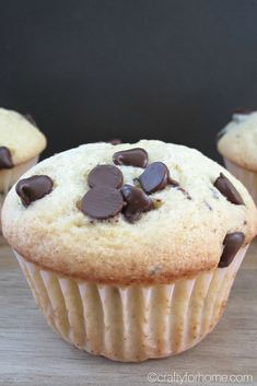 This chocolate chip muffin recipe is dairy-free, quick and easy without butter perfect for snack or breakfast. It is a soft muffin with the crusty on top. Brownie Recipes, Dessert Recipes, Desserts, Chocolate Chip Muffins, Dairy Free Recipes, Gluten Free, Vegetarian Chocolate, Muffin Recipes, Delish