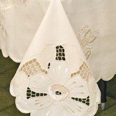 Toalha de mesa bordada florida 3,00x1,60m