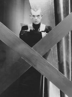 Boris Karloff as Hjalmar Poelzig in The Black Cat Dir. Edgar G. Turner Classic Movies, Classic Horror Movies, Horror Films, Lon Chaney Jr, Horror Monsters, Season Of The Witch, Famous Monsters, Classic Monsters, Gothic Horror