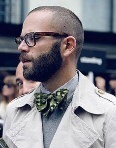 Beard, short hair and glasses Boys Long Hairstyles, Haircuts For Men, Modern Haircuts, Funky Hairstyles, Formal Hairstyles, Short Haircuts, Wedding Hairstyles, Bald With Beard, Bald Men