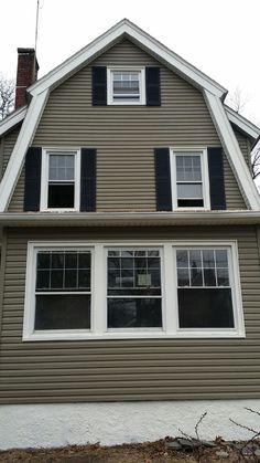 House Siding Looking For Houses, House Siding, Good House, Garage Doors, Cover, Outdoor Decor, Ideas, Home Decor, Homemade Home Decor