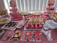 """Minnie Mouse Party Food.. Love the """"party"""" trays. - orderly"""
