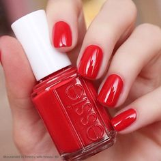 @laurenslist is all dolled up in a gorgeous 'happy wife happy life' red mani.