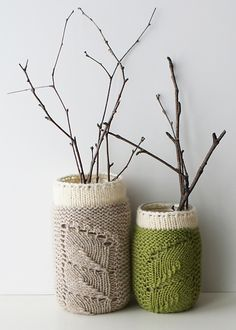 Ravelry: Spring Sprouts Mason Jar Covers pattern by Erin Black ~FREE Knitting Pattern Diy Home Decor Projects, Yarn Projects, Knitting Projects, Knitting Patterns Free, Free Knitting, Free Pattern, Mason Jar Cozy, Mason Jars, Pot Mason