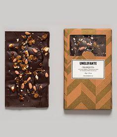 PALANQUETA 65% cacao Santander con incrustaciones de piñón cacahuate y piloncillo