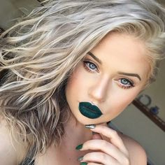 21 St Patricks Day Makeup Looks – CherryCherryBeauty Green Lipstick, Green Eyeshadow, Rave Makeup, Kiss Makeup, Jeffree Star, Photomontage, Saint Patricks Day Makeup, St. Patricks Day, Day Makeup Looks