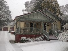 Brantwood Cottage, with a dusting of snow! Blackheath NSW Blue Mountains Accommodation