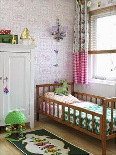 the boo and the boy: girls' rooms, ik had dat boomhuis vroeger ook!! Echt jeugdsentiment :-))
