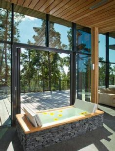 Wellness in your own bathroom with high quality bathroom furniture by Duravit. Whirlpools, sauna, sinks, bathtubs & more for modern luxury bathrooms. Modern Luxury Bathroom, Bathroom Furniture Design, Parental, Duravit, Amazing Bathrooms, Interior And Exterior, My House, Pergola, Bathtub
