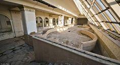 Abandoned 5 star hotel in the middle of St. Petersburg, Russia В Санкт-Петербурге есть пятизвездочный отель, в котором никто никогда не регистрировался. Комнаты обречены навсегда остаться пустыми, потому что отель не достроили.